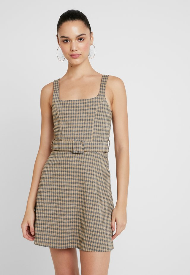 BELTED PINNY - Day dress - mus