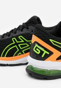 ASICS - GT-1000 9 - Zapatillas de running estables - black/green gecko - 5