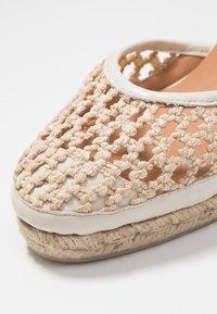 Castañer - CAROLA  - Sandály na vysokém podpatku - natural - 2