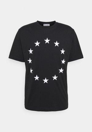 EUROPA - Triko spotiskem - black