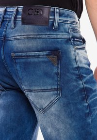 Cipo & Baxx - MIT AUFFÄLLIGER WASCHUNG - Straight leg jeans - blue - 4