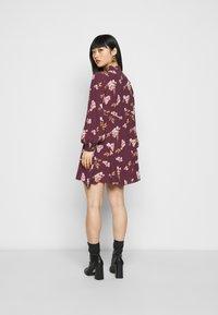 Vero Moda Petite - VMRIBINA DRESS - Shirt dress - fig - 2