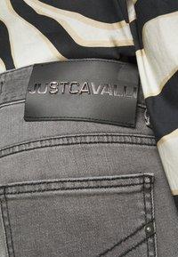 Just Cavalli - Jeans Tapered Fit - black denim - 5
