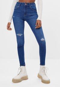 Bershka - MIT HOHEM BUND  - Jeans Skinny Fit - dark blue - 0