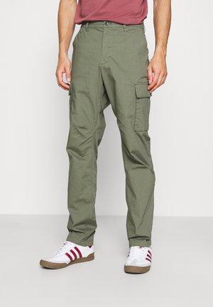 EASY PANT - Pantalon cargo - succulent green