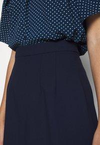 IVY & OAK - PENCIL SKIRT - Pencil skirt - navy blue - 4