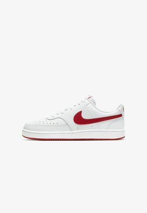 COURT VISION LOW - Sneakersy niskie - white/university red