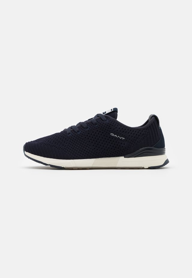 BRENTOON RUNNING - Sneakers basse - marine
