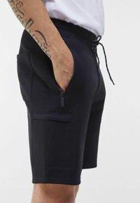 Bershka - Shorts - black - 3