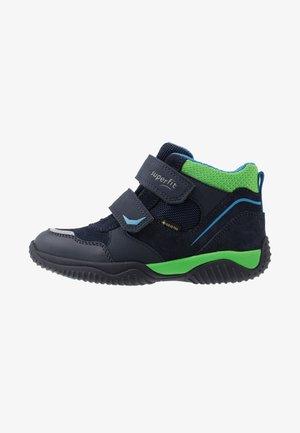 STORM - Kotníkové boty - blau/grün