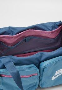 Nike Sportswear - FUTURE PRO DUFF - Sports bag - thunderstorm/cerulean/white - 2