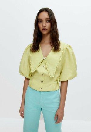 MIT ABNEHMBAREM KRAGEN - Blouse - light yellow