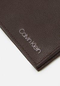 Calvin Klein - BIFOLD BILL - Wallet - dark brown - 5