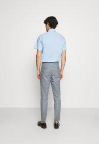 Jack & Jones PREMIUM - JPRRAY CHECK TROUSER - Trousers - grey melange - 2