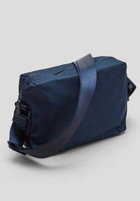 s.Oliver - Across body bag - dark blue - 5