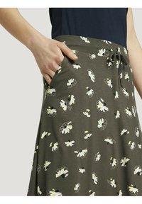 TOM TAILOR - MIT TASCHEN - Spódnica trapezowa - khaki floral design - 4
