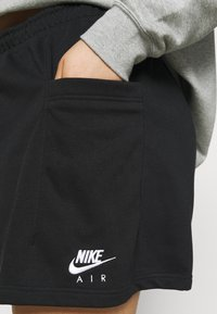 Nike Sportswear - AIR PLUS - Shorts - black/white - 3