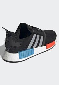adidas Originals - NMD_R1 UNISEX - Trainers - core black/silver metallic/solar red - 4