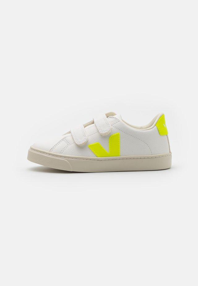 SMALL ESPLAR UNISEX - Baskets basses - extra white/jaune fluo