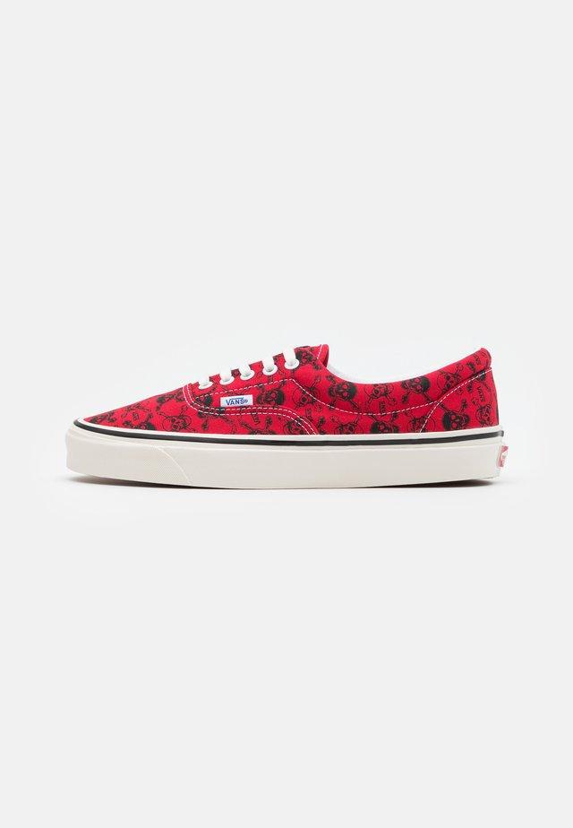 ANAHEIM ERA 95 DX UNISEX - Zapatillas - red/black/white