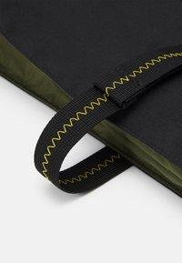 adidas Performance - TOTE - Tote bag - black/wild pine - 3