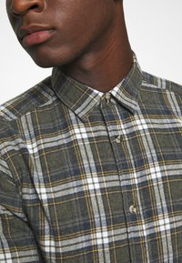 Only & Sons - ONSBOBBY WASHED CHECK - Skjorta - deep depths - 6
