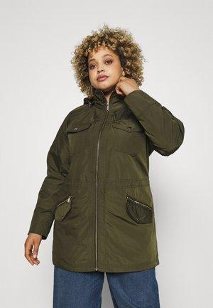 WOMENS ANORAK - Lehká bunda - olive