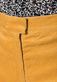 Samsøe Samsøe - COLLOT TROUSERS - Pantalones - ochre - 4