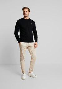 GANT - CABLE CREW - Stickad tröja - black - 1