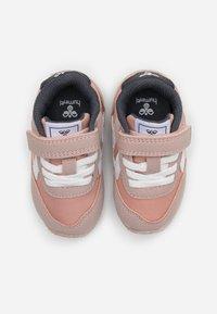 Hummel - REEFLEX INFANT - Sneakers laag - pale mauve - 3
