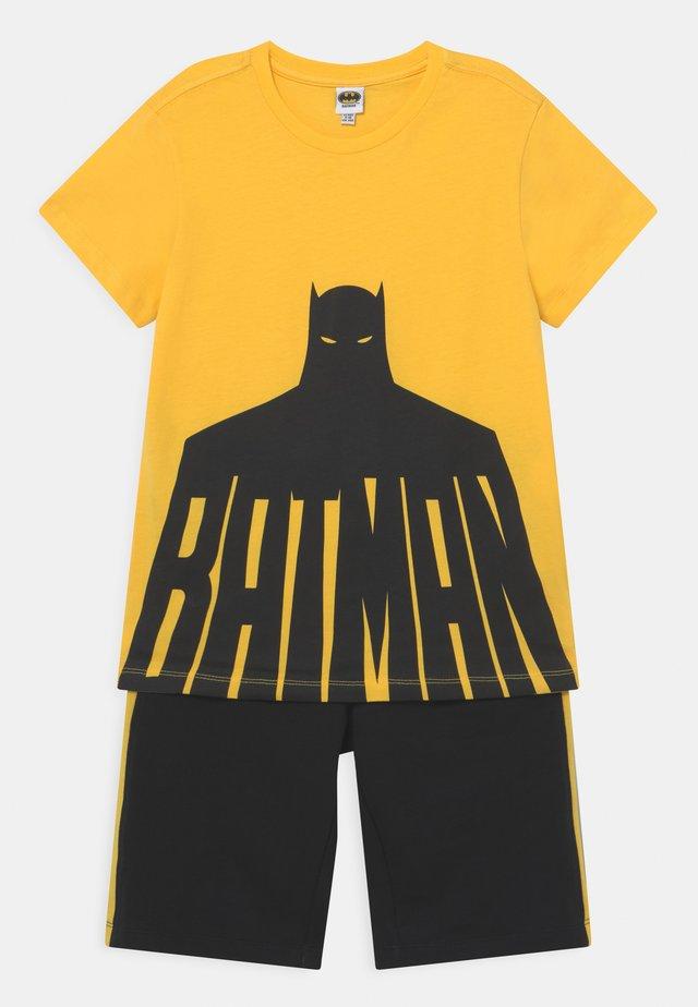 BATMAN SET - T-shirt con stampa - lemon chrome