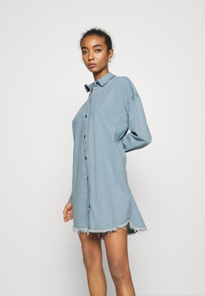 OVERSIZED DRESS STONEWASH - Sukienka jeansowa - blue