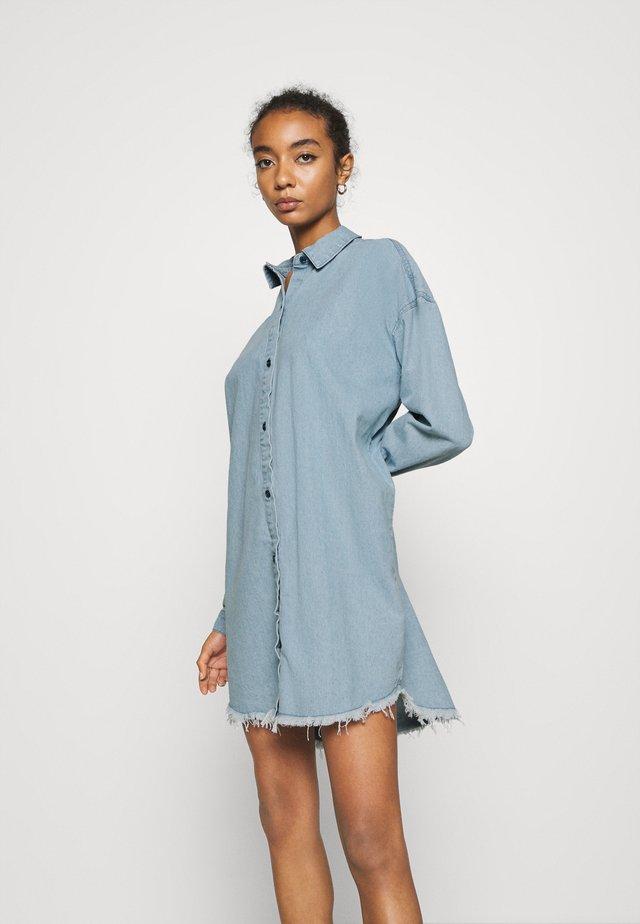 OVERSIZED DRESS STONEWASH - Robe en jean - blue