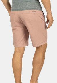 Solid - CHINOSHORTS THEMENT - Shorts - light pink - 1