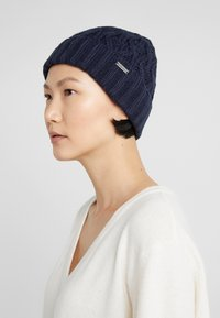 Michael Kors - CABLE CUFF HAT - Berretto - midnight - 3