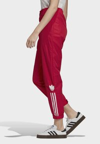 adidas Originals - PAOLINA RUSSO - Pantalon de survêtement - scarlet - 3