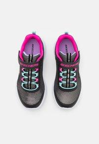 Skechers Performance - GO RUN 600 SPARKLE RUNNER  - Neutrální běžecké boty - black/hot pink/mint - 3