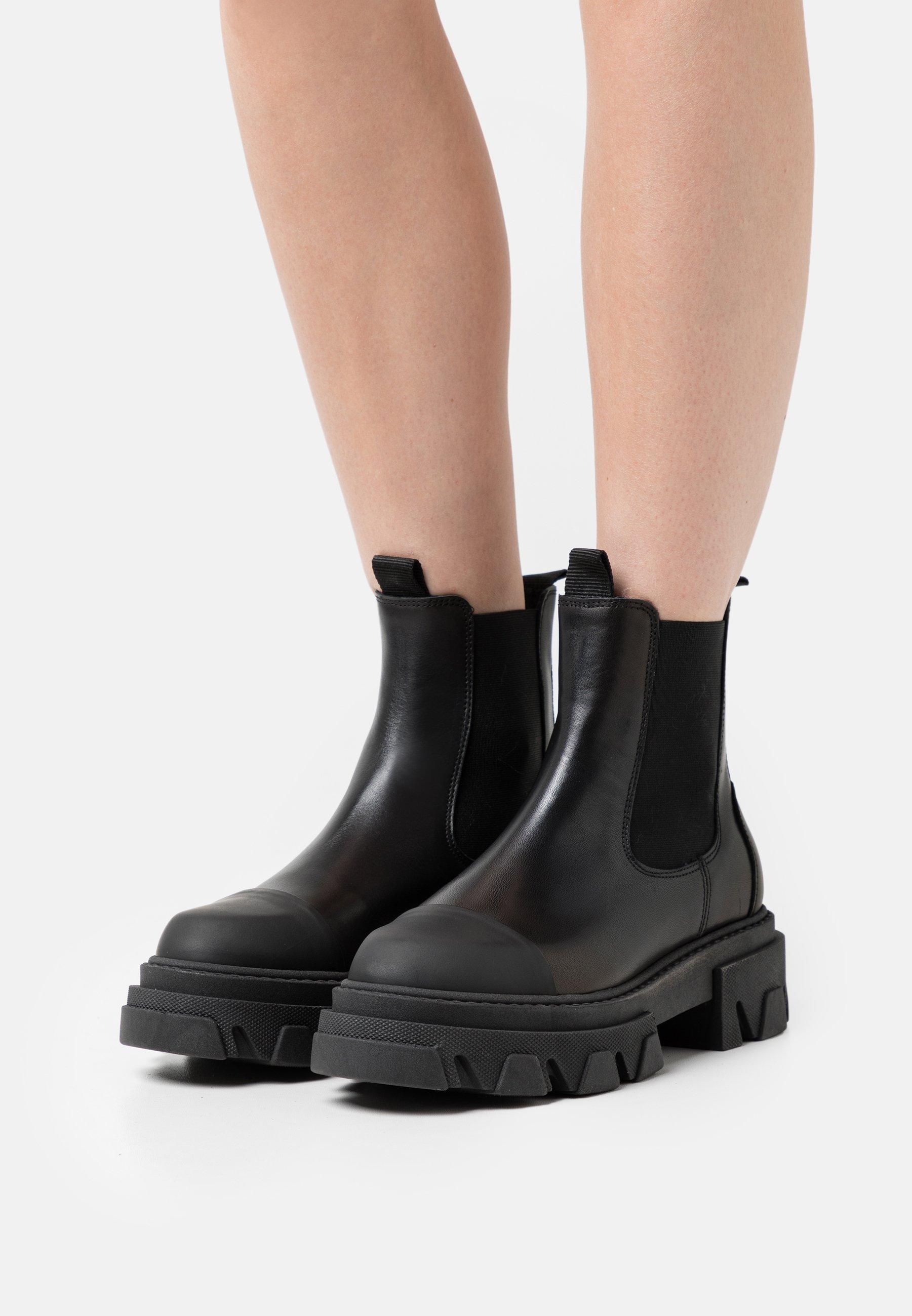 Women PAOLA - Platform ankle boots