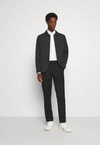 Selected Homme - SLHREG JEFF HYBRID - Blazer jacket - dark grey melange - 1