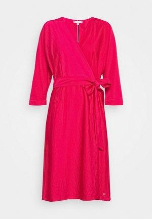 SYLVIA DRESS BRACELET - Freizeitkleid - ruby jewel