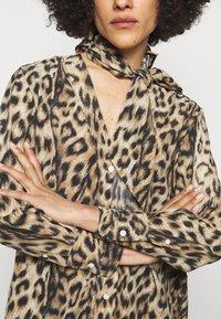 Victoria Beckham - SCARF DETAIL BLOUSE - Blouse - tan/brown - 3