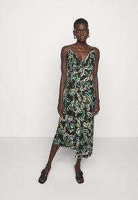 Diane von Furstenberg - AMY - Jersey dress - black - 0