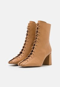 ÁNGEL ALARCÓN - Lace-up ankle boots - camel - 2