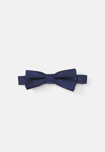 UNSOLID SOLID BOWTIE
