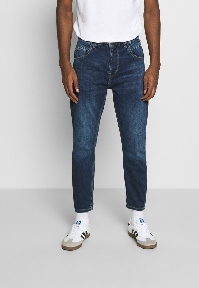 ALEX - Relaxed fit jeans - mid blue washed