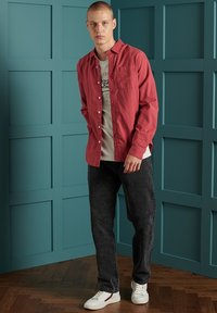Superdry - LINE DRIED OXFORD - Shirt - preppy red - 0