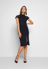 WAL G. - HIGH NECK MIDI DRESS - Pouzdrové šaty - navy blue - 1