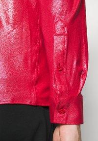 Twisted Tailor - SLEDGE  - Košile - red - 5