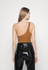 Fashion Union - AMALFI BODY - Topper - tan - 2