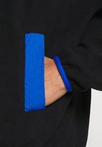 adidas Originals - ADIDAS ADVENTURE POLAR FLEECE HALF-ZIP SWEATSHIRT - Forro polar - black - 5